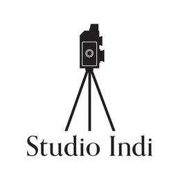 スタジオインディ宣材写真のロゴ