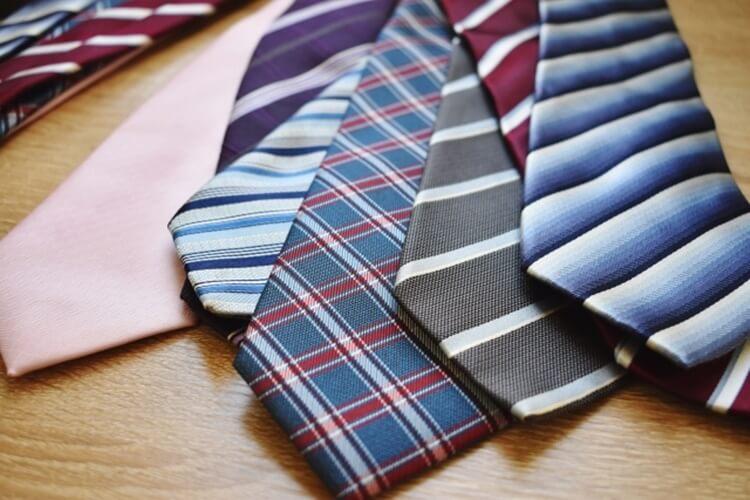 婚活写真におすすめのネクタイの色は?柄は?詳しく解説します