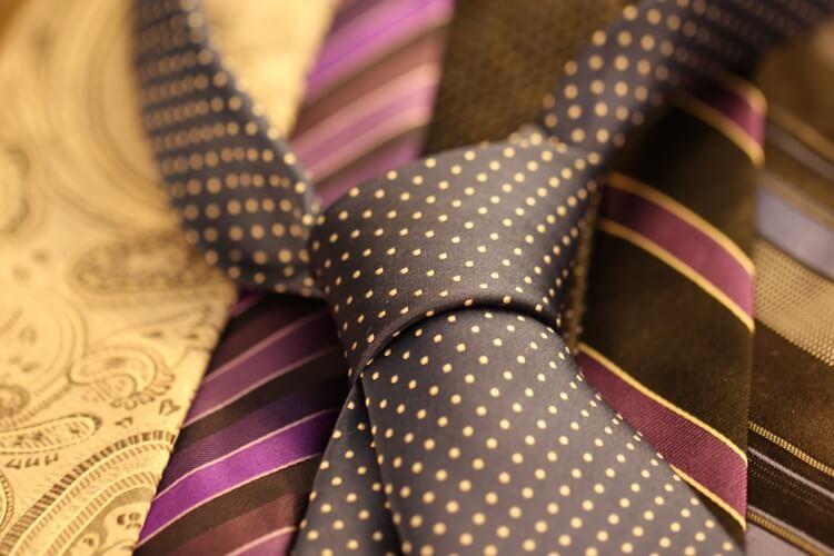 婚活写真におすすめのネクタイの色は?柄は?詳しく解説します13