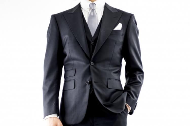 男性が婚活写真を撮る時の服装はスーツの選び方を詳しく解説6
