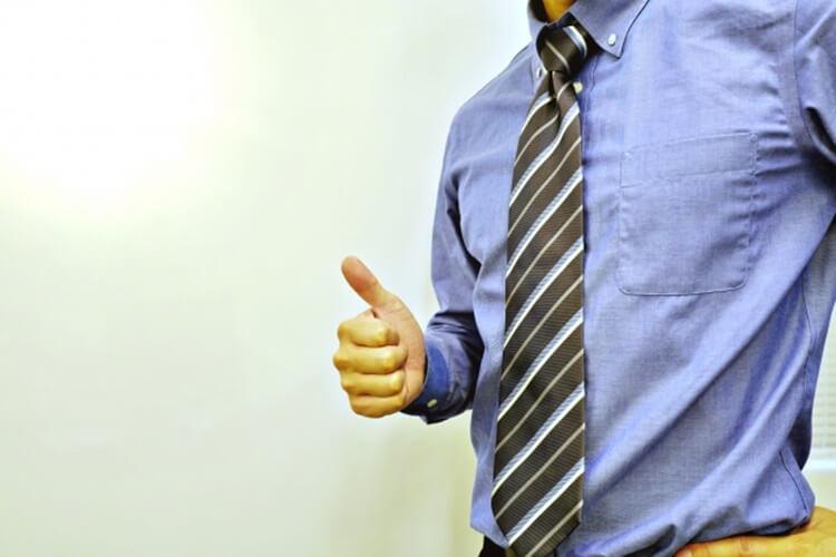 婚活写真におすすめのネクタイの色は?柄は?詳しく解説します11