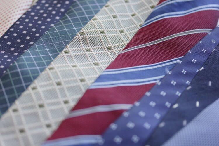 婚活写真におすすめのネクタイの色は?柄は?詳しく解説します7