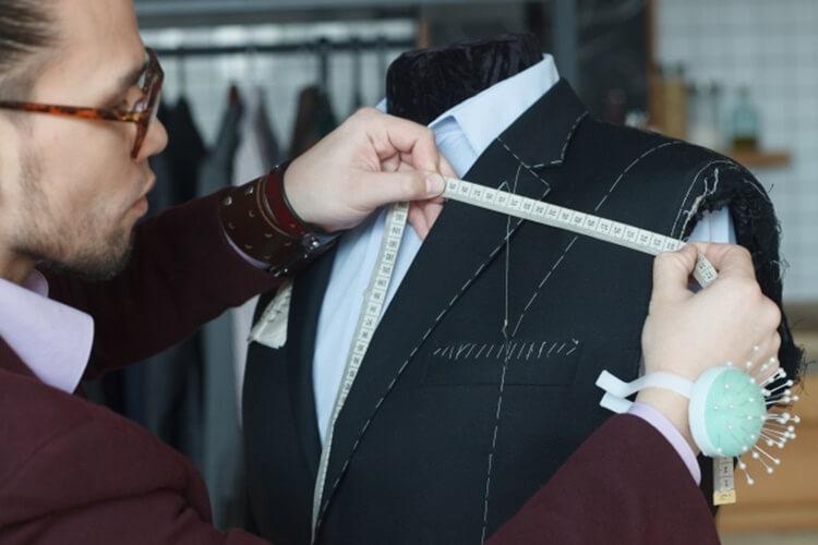 男性が婚活写真を撮る時の服装はスーツの選び方を詳しく解説14