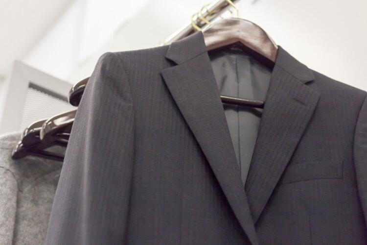 男性が婚活写真を撮る時の服装はスーツの選び方を詳しく解説13