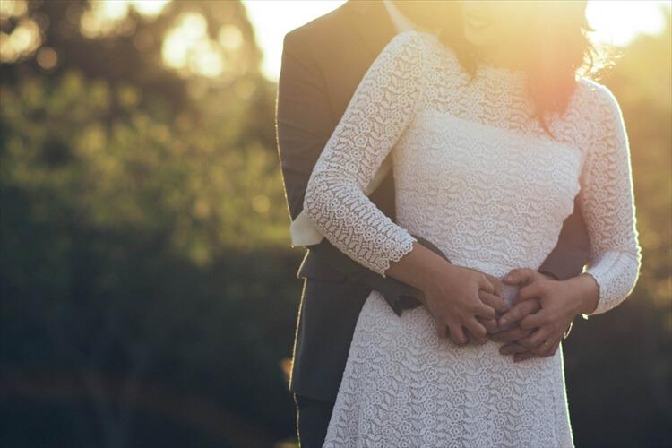 まだ間に合う!お見合い・婚活写真で40代女性が着るべき服装は?