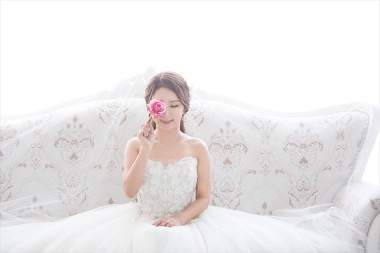 婚活写真のアイメイクは超重要!女性らしさを演出するアイメイクのやり方2