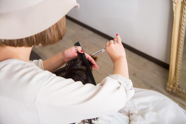 【40代婚活女性】男性の目を引く婚活写真の髪型とは?アピールすべき印象やセット方法も紹介2