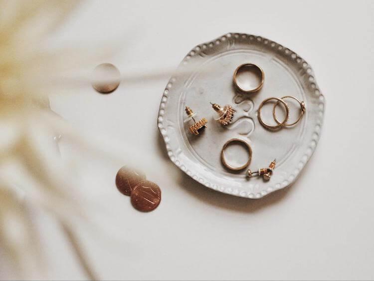 婚活写真を華やかにするアクセサリーの選び方。そのポイントをご紹介!3