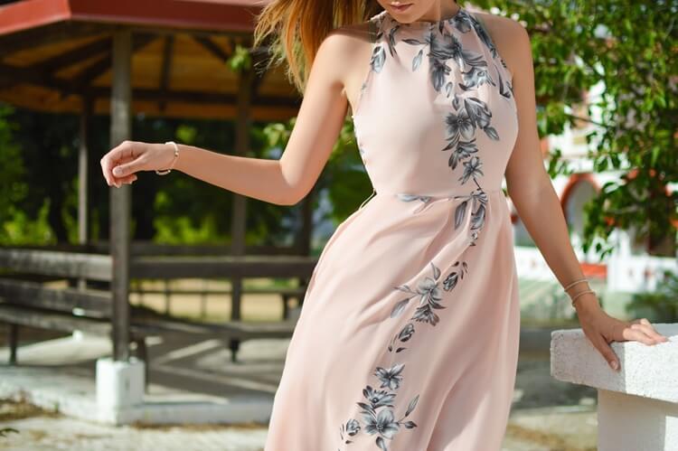 男性の好みが分からない女性必見!婚活写真でおすすめの服装を紹介2